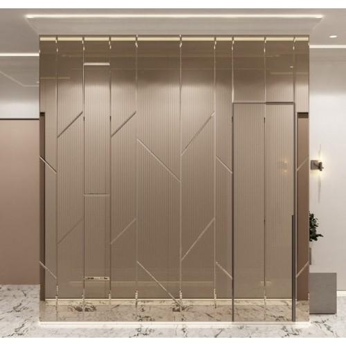 Зеркальное панно в коридор